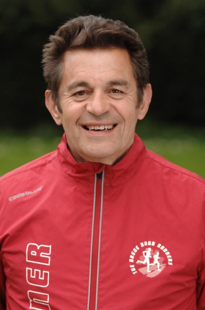 Trainer Pieter de Graaf en de fotograaf van de vereniging